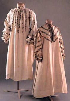 Smock and shirt (the end of 16th century, beginning of 17th century), © Fashion museum, Bath