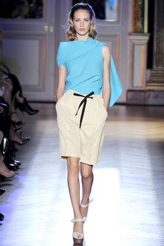 Roland Mouret Spring 2012 Ready-to-Wear - Collection - Gallery - Style.com