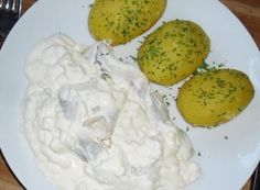 Cream herring with jacket potatoes - recipe with picture - Rezepte - Asian Recipes Asian Noodle Recipes, Easy Fish Recipes, Shrimp Recipes, Potato Recipes, Lunch Recipes, Fall Recipes, Asian Recipes, Dinner Recipes, Cooking Recipes