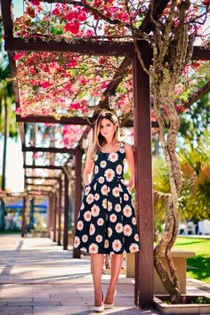 ThassiaNaves. Vintage floral dress