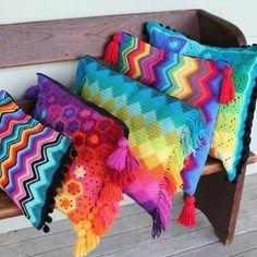almofada-de-croche-colorida-8