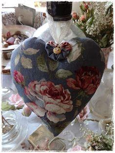 Kijkje in Laura's Ateliertje: Kerst Romantisch Brocante wonen