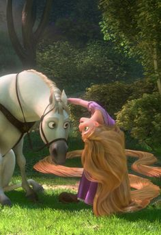 Tangled - The next morning, Maximus confronts Flynn but Rapunzel befriends the horse and convinces him to help them instead. Arriving at the kingdom, Flynn takes Rapunzel around the city, and at night he takes her to see the lanterns. Disney Pixar, Arte Disney, Disney Tangled, Disney And Dreamworks, Disney Animation, Disney Magic, Disney Art, Disney Movies, Tangled Movie