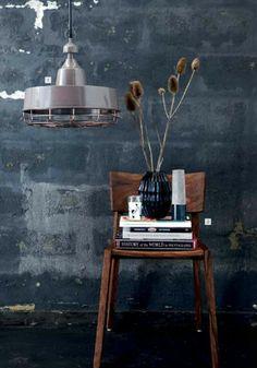 #industrial #wall wow, hoe krijg je dat effect? http://housedoctor.dk/kataloger/moments-2012