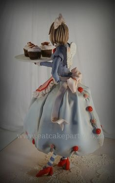 Cupcake Fairy Cake by Dot Klerck - Go to this link to make this cupcake: http://cakejournal.com/fondant-friday/hopes-cupcake-fairy/ #cupcakefairy #cupcake #FondantFriday