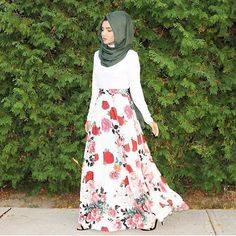 ✨@saimascorner✨ is stunning in our Thyme Cotton Modal Wrap and @hayahcollection floral skirt.
