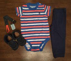 Body básico: Carter's // Pantalón: Carter's // Portachupón: Red Carrot // Zapatos: Minimox