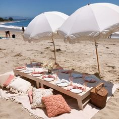Picnic Packages - Santa Barbara Picnic Co. Picnic Theme, Picnic Style, Picnic Set, Beach Picnic, Picnic Ideas, Picnic Parties, Picnic Decorations, Beach Bachelorette, Romantic Picnics