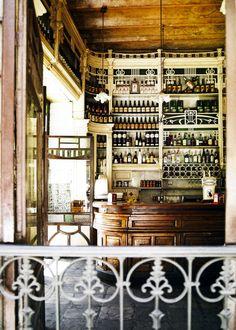 El Rinconcillo | Sevilla de oudste tapasbar( sinds 1670) Plaza de los terceros.  Spain