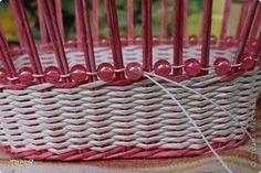 Поделка изделие Плетение Корзинковая тема Корзина первая Трубочки бумажные фото 10