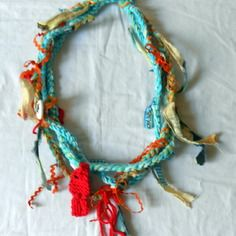 Collier textile bleu turquoise et orange thème marin