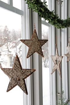 Awesome Bark Start ornaments! FILL GLASS ORNAMENTS WITH LITTLE PEELS OF BARK AND FEATHERS