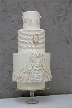 Baroque Wedding Cake - Cake by Cake Styling | CakesDecor