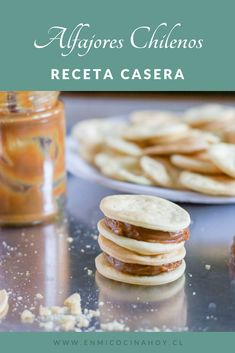 Alfajores, Chilean Recipe are a traditional sweet in Chile, filled with dulce de leche or Huevo Mol. Thousand Layer Cake, Chilean Recipes, Chilean Food, Wine Recipes, Cooking Recipes, Friend Recipe, Sweet Cookies, Food Hacks, Sweet Recipes