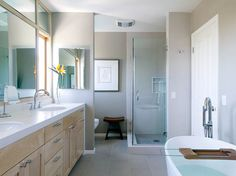 Contemporary bath - I think I can make this layout work in my master. Houzz.com