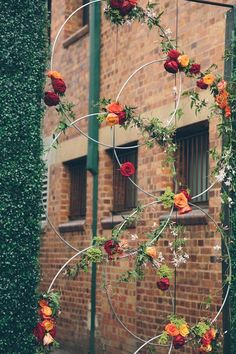 An inner city venue, with modern sculptural features bright urban wedding ideas . An inner city venue, with modern sculptural features bright urban wedding ideas . Decoration Evenementielle, Decoration Vitrine, Floral Decorations, Hanging Decorations, Pergola Decorations, Flowers Decoration, Diy Event Decorations, Wedding Wall Decorations, Diy Wedding Backdrop