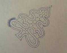Risultati immagini per portale lavori a tombolo per natale Filet Crochet, Irish Crochet, Romanian Lace, Bobbin Lacemaking, Bobbin Lace Patterns, Creative Embroidery, Lace Heart, Point Lace, Lace Jewelry