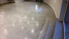 Hotelová alebo firemná hala s mikrocementovou podlahou s vysokým leskom Hardwood Floors, Flooring, Crafts, Wood Floor Tiles, Wood Flooring, Crafting, Diy Crafts, Craft, Floor