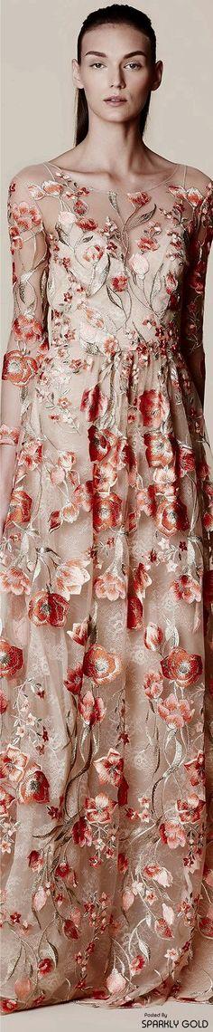 www.2locos.com  Marchesa Notte Spring 2017 RTW Floral Fashion, Fashion Fabric, Fashion Design, Fashion 2017, Couture Fashion, Fashion Spring, Prom Party Dresses, Evening Dresses, Formal Dresses
