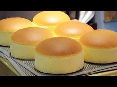 Jiggly Fluffy Japanese Cheese Cake - YouTube Japanese Fluffy Cheesecake, Japanese Jiggly Cheesecake Recipe, Japanese Cheescake, Easy Cake Recipes, Sweets Recipes, Baking Recipes, Sponge Cake Recipes, Castella Cake Recipe, Sweets