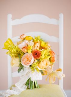Beautiful yellow and peach bouquet | bows and arrows