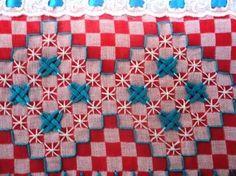 Resultado de imagen para bordado em tecido xadrez preto