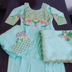 Embroidery Suits Punjabi, Embroidery Suits Design, Embroidery Fashion, Embroidery Boutique, Crewel Embroidery, Machine Embroidery, Embroidery Designs, Punjabi Suits Designer Boutique, Boutique Suits