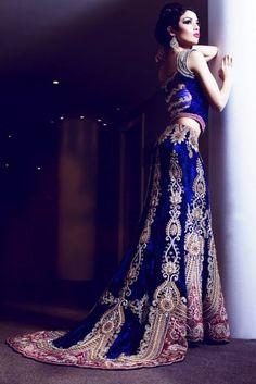 More Indian bridal inspiration straight from the runways. Find your wedding outfit from the hottest designers in India. Asian Wedding Dress, Pakistani Wedding Dresses, Indian Wedding Outfits, Bridal Outfits, Indian Dresses, Indian Outfits, Bridal Dresses, Indian Clothes, Wedding Lenghas