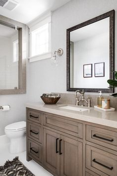 White Oak grey-washed stain Cabinet New trend for White oak Cabinets is to use a grey stain over the wood Gray Stained Cabinets, Oak Kitchen Cabinets, Grey Cabinets, Rustic Wood Cabinets, Cabinet Stain Colors, Kitchen Cabinet Colors, Kitchen Interior, Home Interior Design, Modern Interior