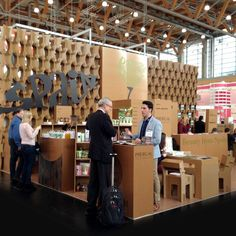 "Stand Icex en la feria Biofach Vivaness (Nuremberg).Cosmética natural. Stand modular ""Beauty from Spain"" producido en cartón estructural por cartonlab."