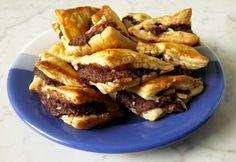 14 gyors sütemény leveles tésztából, ha édesre vágyik a társaság Nutella, French Toast, Food And Drink, Sweets, Beef, Breakfast, Desserts, Meat, Morning Coffee