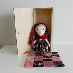 doll with case / Břichopas toys