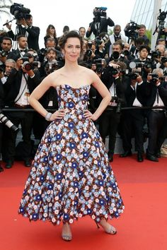 "Rebecca Hall in Dior Spring 2015 Haute Couture with #Chaumet jewels attends ""The BFG (Le Bon Gros Geant - Le BGG)"" premiere during the 69th annual Cannes Film Festival on May 14, 2016 #Cannes2016"