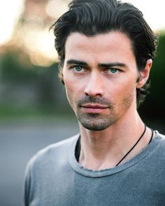 Matt Cohen scrubs in as GENERAL HOSPITAL's newest resident in today's episode as Dr. Griffin Monro — and he's dishing on the details about his...