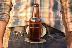 Buckle can holds your beer bottle