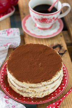 Tarta tiramisú Bolo Tiramisu, Tiramisu Dessert, Sweet Recipes, Cake Recipes, Italian Pastries, Sweet Tarts, Pastry Cake, Desert Recipes, Cakes And More
