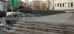 Mainz,  Geländeranlagen, Knieholmgeländer, Handlauf, Handlaufgeländer, Rabattengeländer, Füllstabgeländer, Stadtmobiliar, public design,