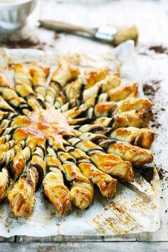 Dorian cuisine.com Mais pourquoi est-ce que je vous raconte ça... : Tarte soleil choco-amande et miel... vous n'en laisserez plus une miette dans l'assiette !
