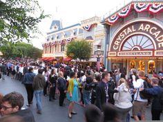 Cast Members bid everyone a final hurrah! #Disney24 #DisneySide pic.twitter.com/l99GpJ4Ibj
