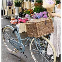 Grand panier de vélo en rotin Denton L Basil