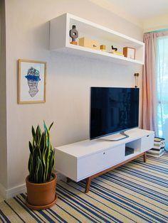Retro Home Decor Furniture Makeover, Home Furniture, Furniture Design, Interior Design Living Room Warm, Living Room Designs, Living Room Tv, Home And Living, Retro Home Decor, Decoration