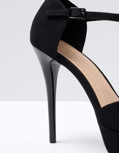 Closed back T-strap heels Bershka