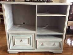 Painted in layers with Autentico chalk paint