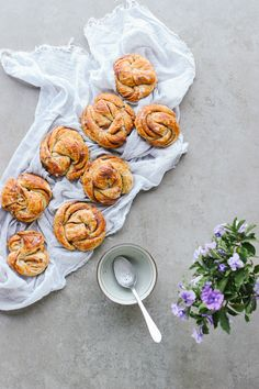 Sweetened entirely with dates, these vegan cinnamon buns smell heavenly when baking. Check out the video tutorial for cutting & twisting.