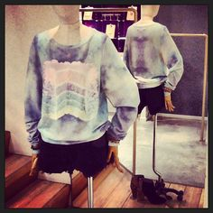 WILDFOX    DREAMING OF CAKE PRINT SWEATER