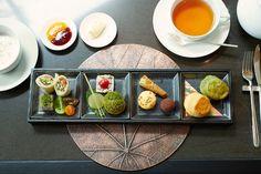 2014年12月22日にオープンしたアマン初の都市型ホテル〈アマン東京〉。ホテルのある建物の1階に広がる森の中にアマン初の〈ザ・カフェ by アマン〉がオープンする。