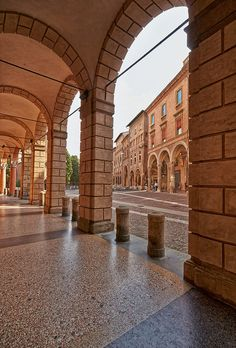 I portici di Bologna visti da Claudio Alba: Portico_palazzo_Isolani