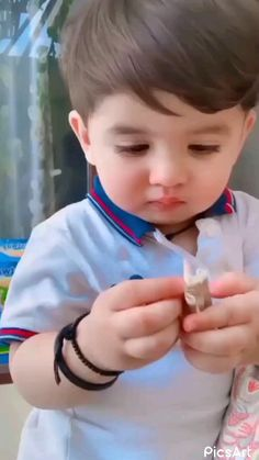 Cute Baby Boy Photos, Cute Baby Twins, Cute Little Baby Girl, Cute Kids Pics, Cute Funny Baby Videos, Cute Funny Babies, Funny Kids, Cute Baby Quotes, Cute Funny Quotes