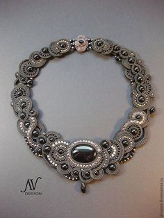 love this soutache necklace Fabric Jewelry, Boho Jewelry, Jewelry Crafts, Beaded Jewelry, Handmade Jewelry, Jewelry Design, Fashion Jewelry, Unique Jewelry, Soutache Necklace