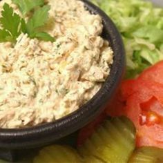 Barbie's Tuna Salad - the best tuna salad recipe I've come across. Awesome on sandwich bread, pita bread, whole wheat crackers or even atop a cool, crispy salad! Tuna Recipes, Seafood Recipes, Salad Recipes, Cooking Recipes, Healthy Recipes, Healthy Dinners, Best Tuna Salad Recipe, Le Diner, It Goes On